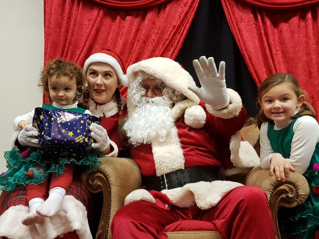 Joyeux Noël JEANNE ET AGATHE...