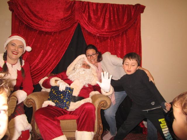 A défaut de MANON, nous avons maman et JUSTIN... Joyeux Noël !
