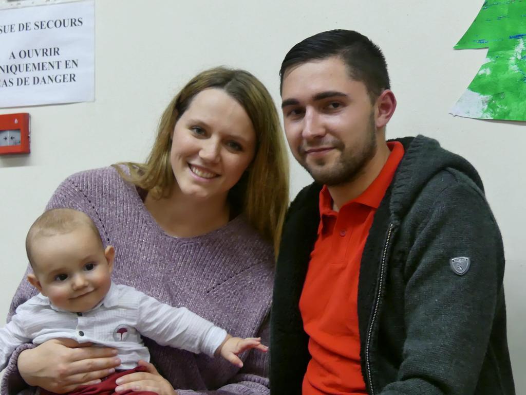 Elio avec son papa et sa maman...